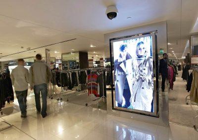 Harrods-Video-Screen-Lifesize-Shopfloor-1
