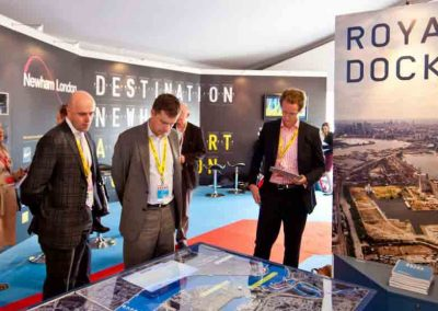 Specialised-video-wall-for-Royal-Docks-Exhibition-Media-Table-by-Quad-Vision